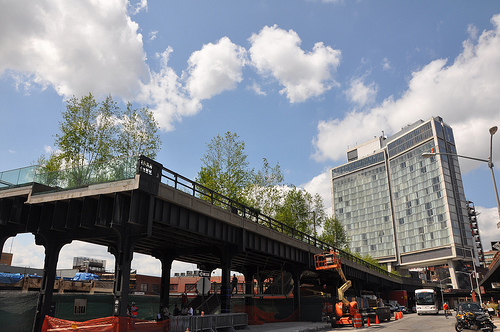 """""""Linear parks are often a great way to link parks or green areas together. This image says it all. The Highline is a bridge to nowhere."""""""